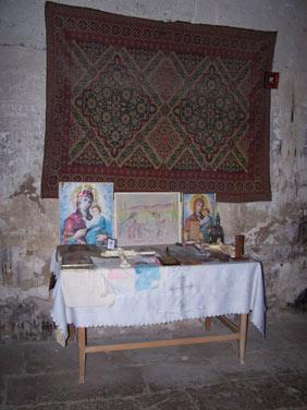 arzni_church_entry1